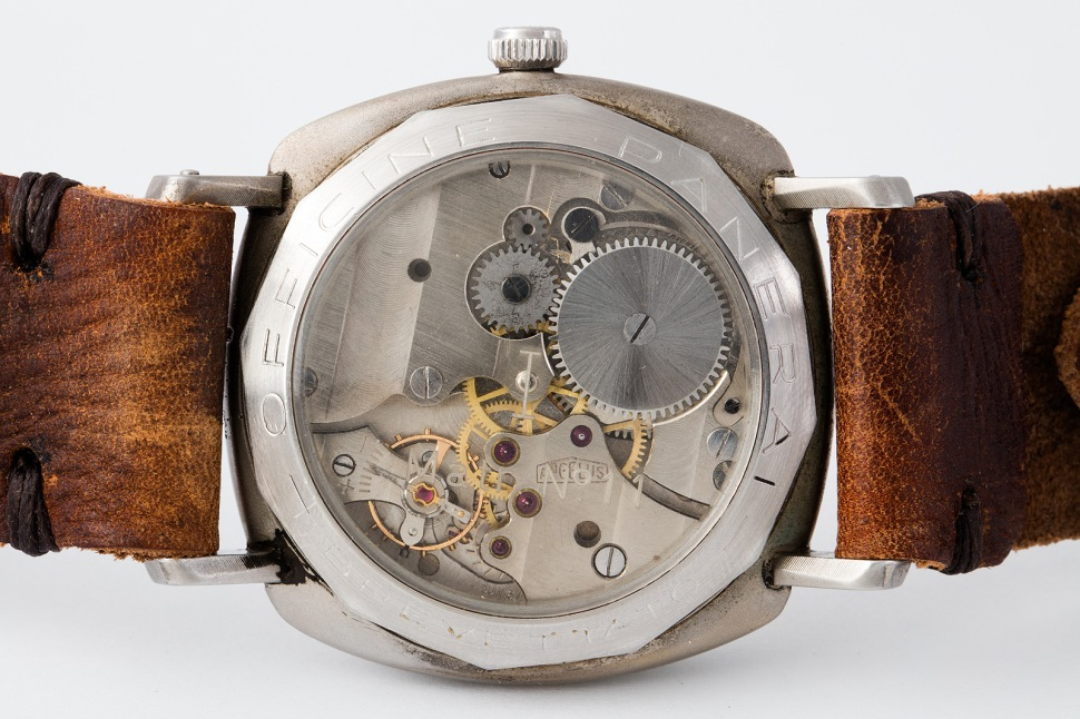 panerai_welded_matr_11_mov