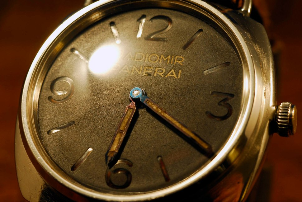 panerai_3646_1010024_dial_hands_colour