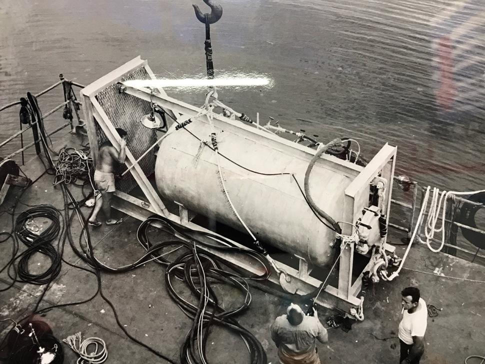 171023-man-in-the-sea-museum-sealab1-emergency-capsule
