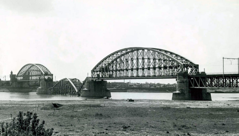 180109-railway-bridge-nijmegen-original-destroyed-1940