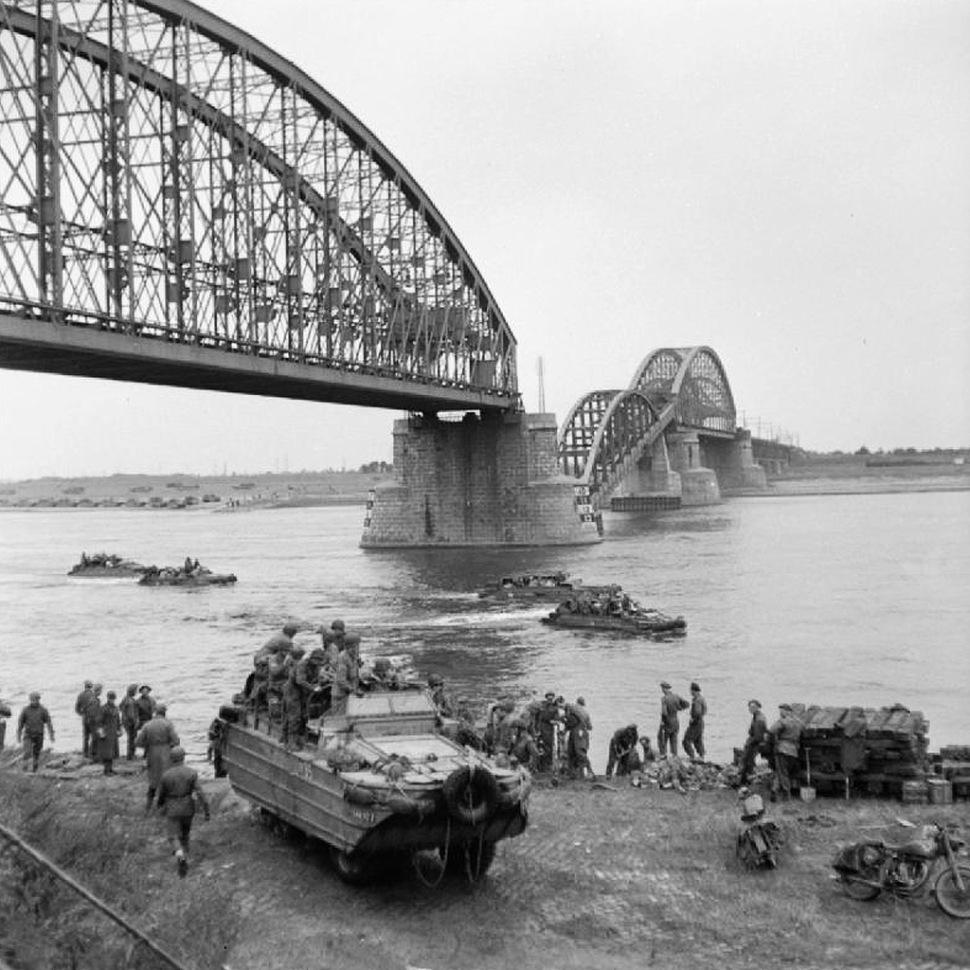 180110-railway-bridge-nijmegen-destroyed-1944