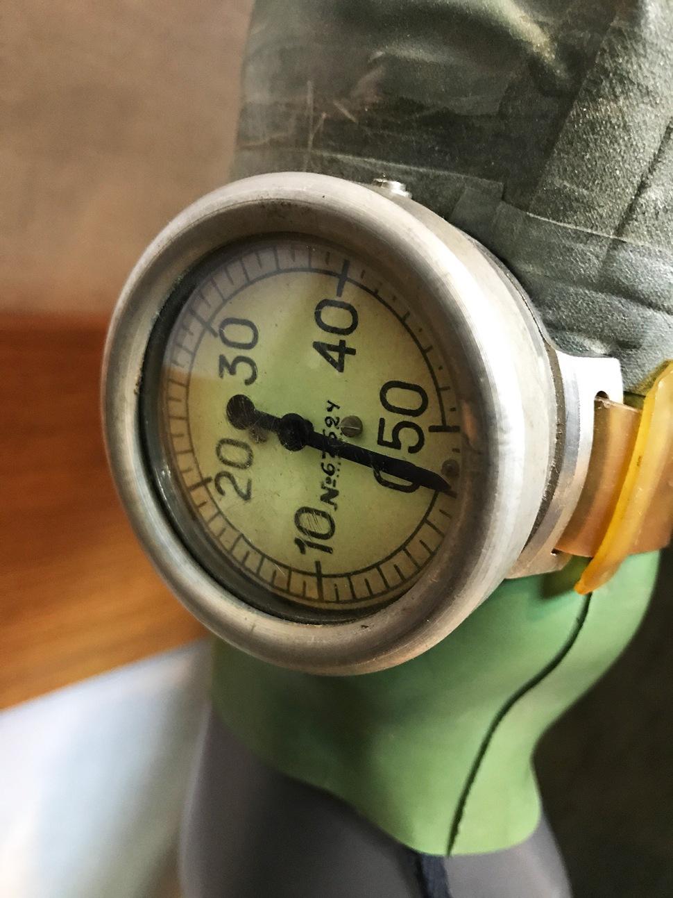 180627-panerai-gtg-moscow-paneristi-club-room-rebreather-IDA-57-depth-gauge
