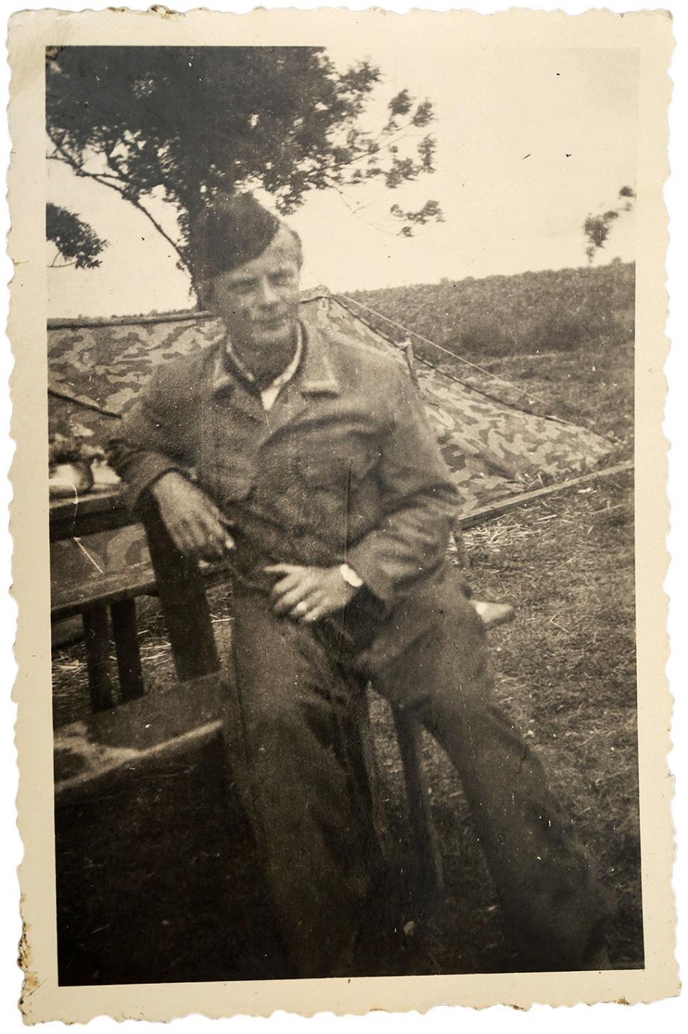 180728-panerai-3646-260746-horst-muntau-uniform