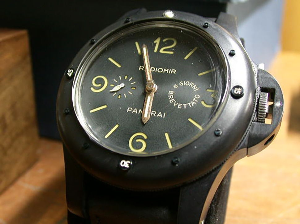 180814-panerai-gpf-2-56-black-aluminium-picture-sent-to-dealers