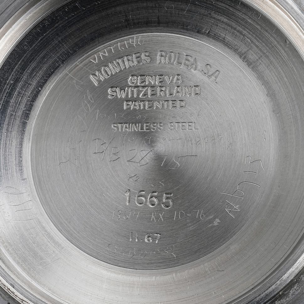 181011-rolex-sea-dweller-1665-1602913-phillips-caseback-hallmarks