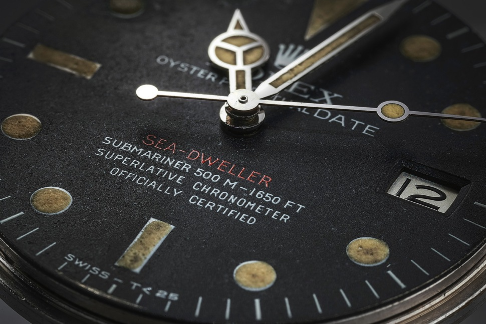 181011-rolex-sea-dweller-1665-1602913-phillips-dial-detail