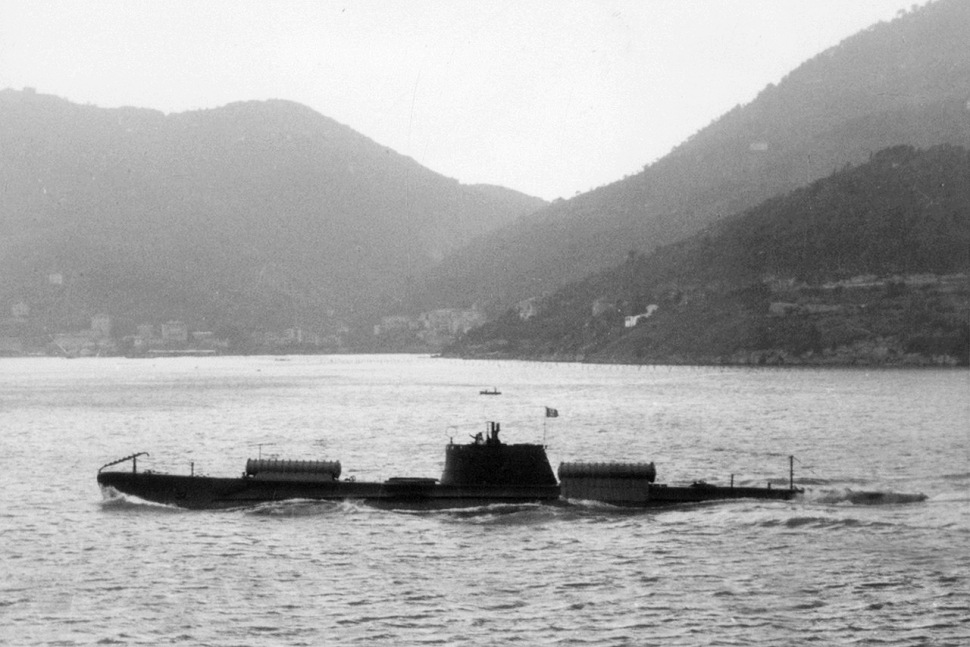 190209-italian-submarine-scire-with-slc-containers