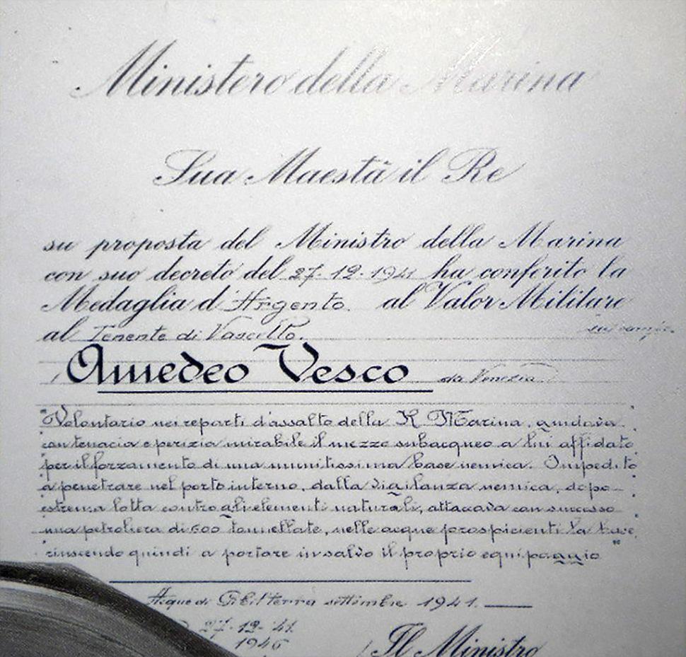 190213-amedeo-vesco-award-silver-medal-of-military-valour-bg4-gibraltar