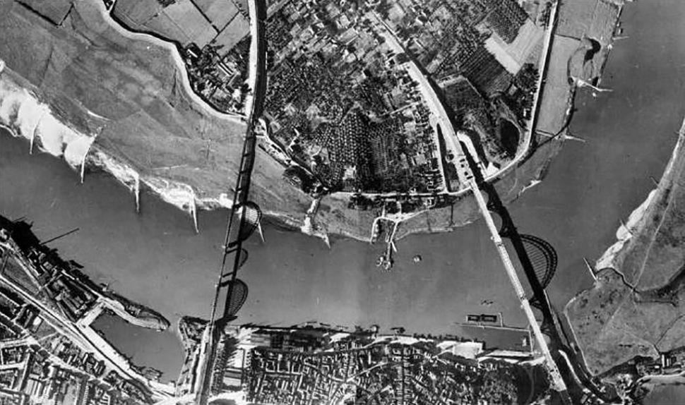 190311-aerial-view-waal-bridges-nijmegen-1944