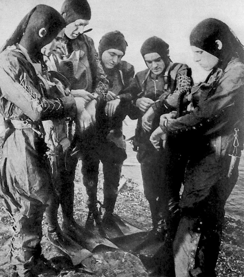 190313-german-kampfschwimmers-1944