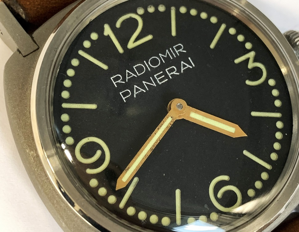 190416-panerai-3646-welded-dots-dial-dial-detail