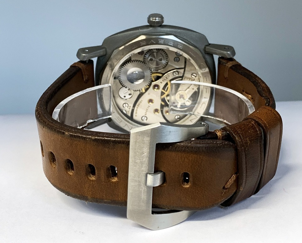 190416-panerai-3646-welded-dots-dial-strap-buckle