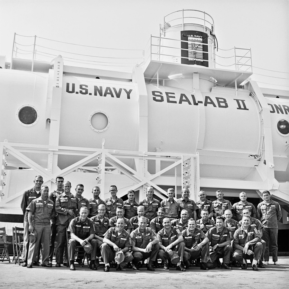 191017-sealab-2-1965-all-divers