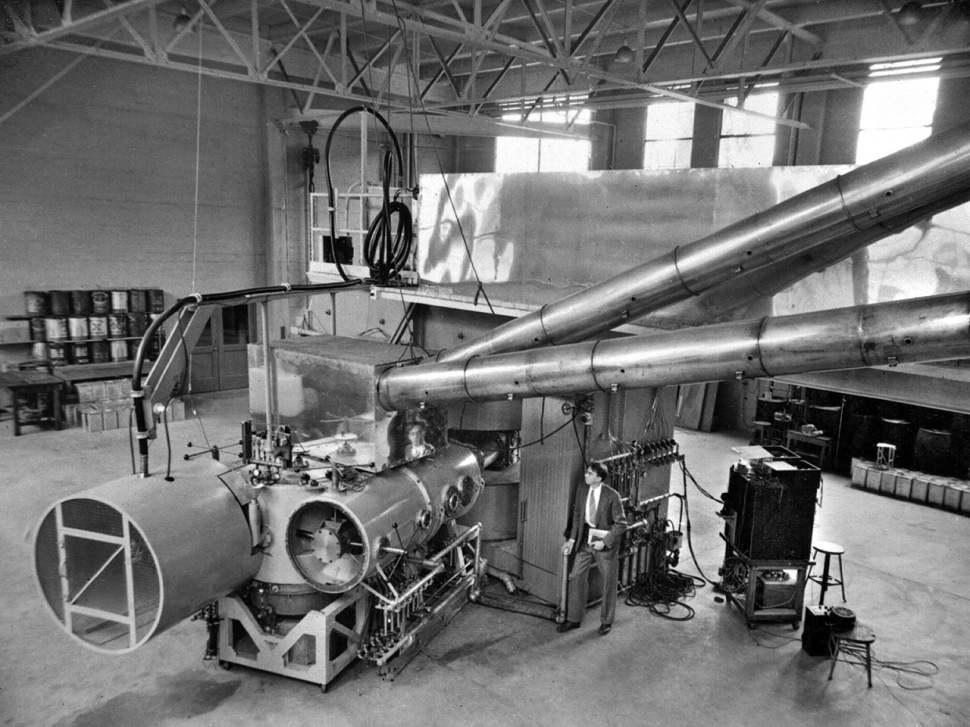 191121-cyclotron-1939-ernest-lawrence
