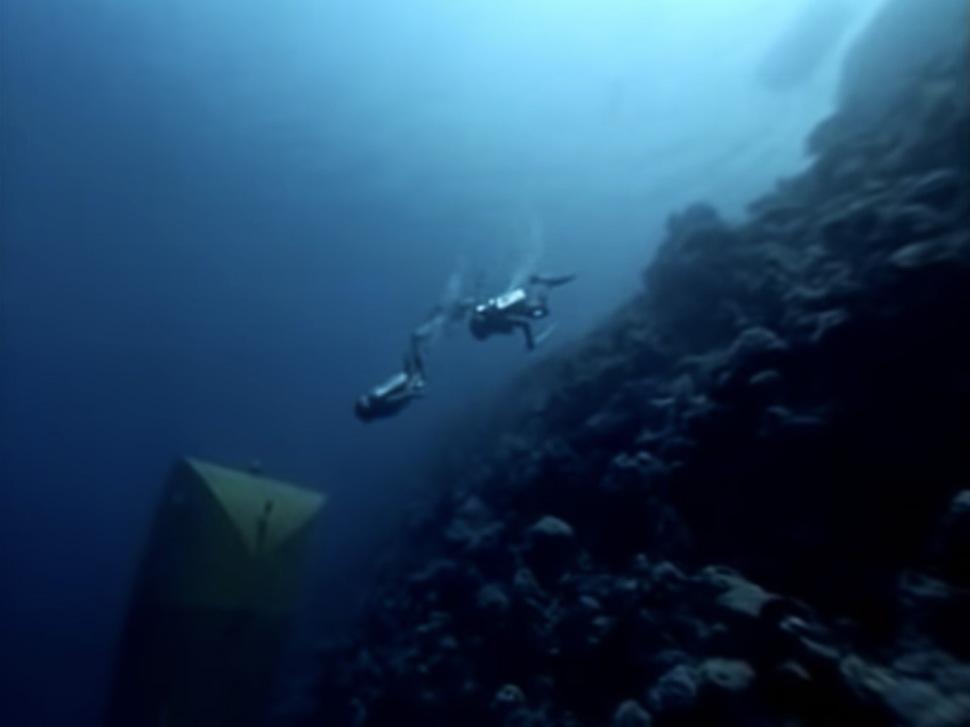200113-precontinent-2-deep-cabin