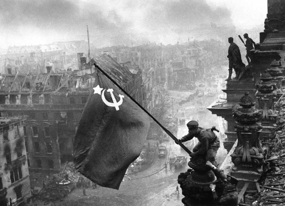 200318-soviets-capture-reichstag-1945