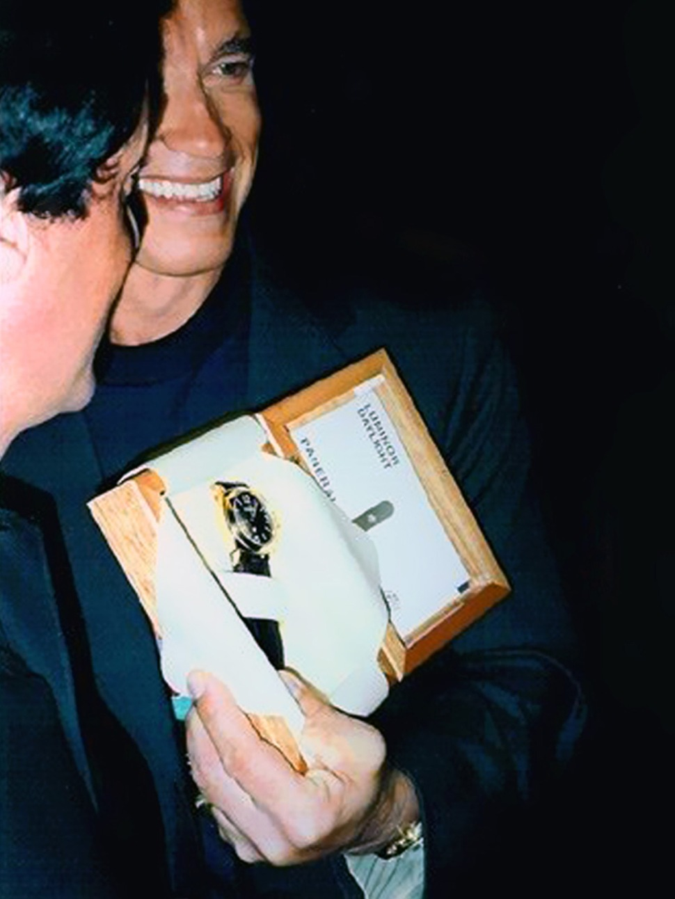 200328-arnold-schwarzenegger-sylvester-stallone-gold-plated-luminor-logo-panerai-booklet-planet-hollywood-berlin-1996