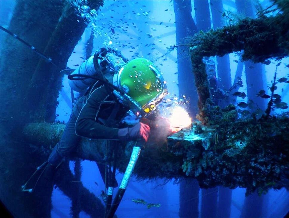 200421-underwater-welding