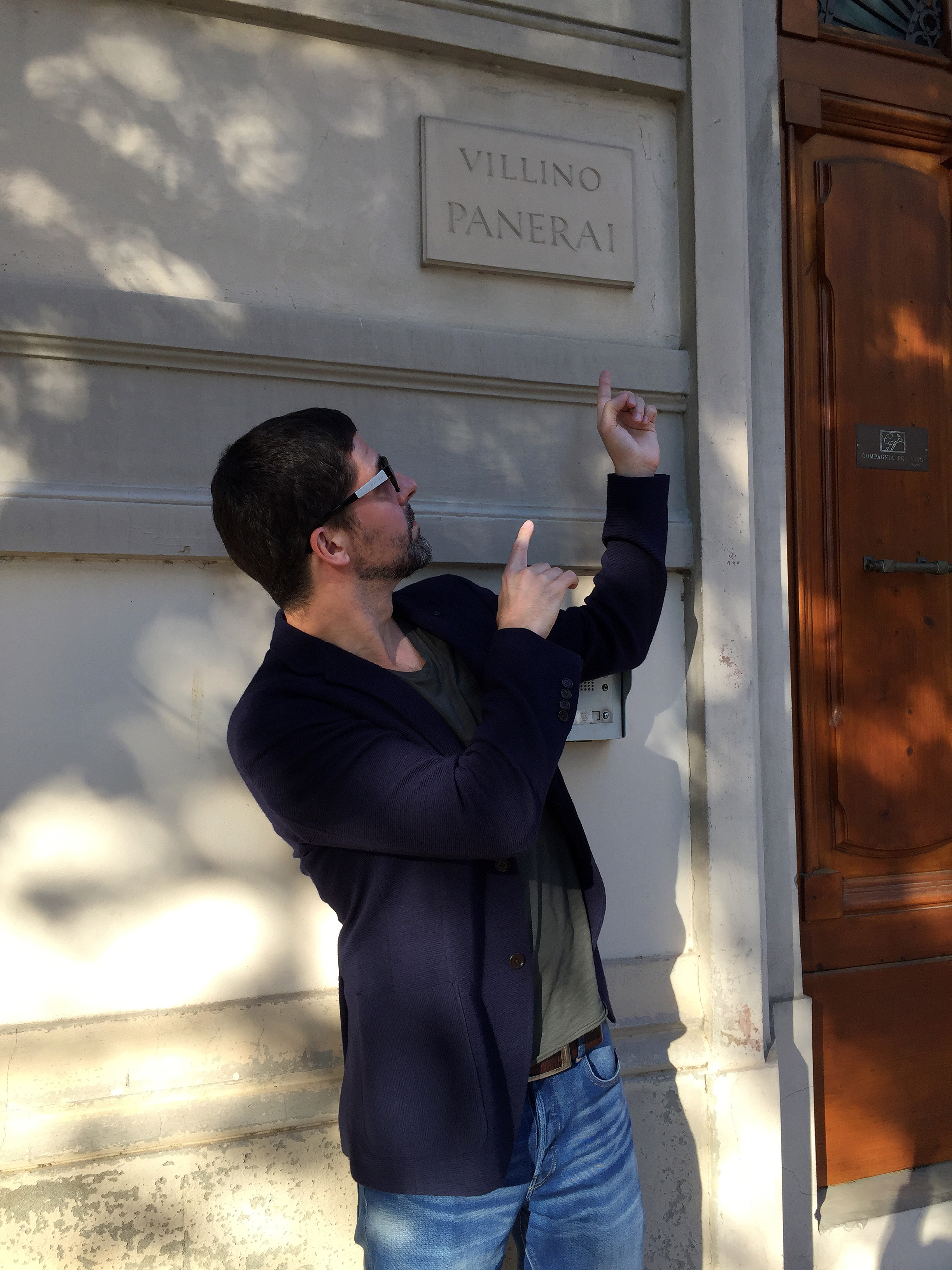 Jose Pereztroika in front of the Villino Panerai in Florence, May 2017